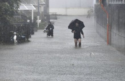 Japan educates hundreds with respect to thousands to empty as ground-breaking tropical storm draws near